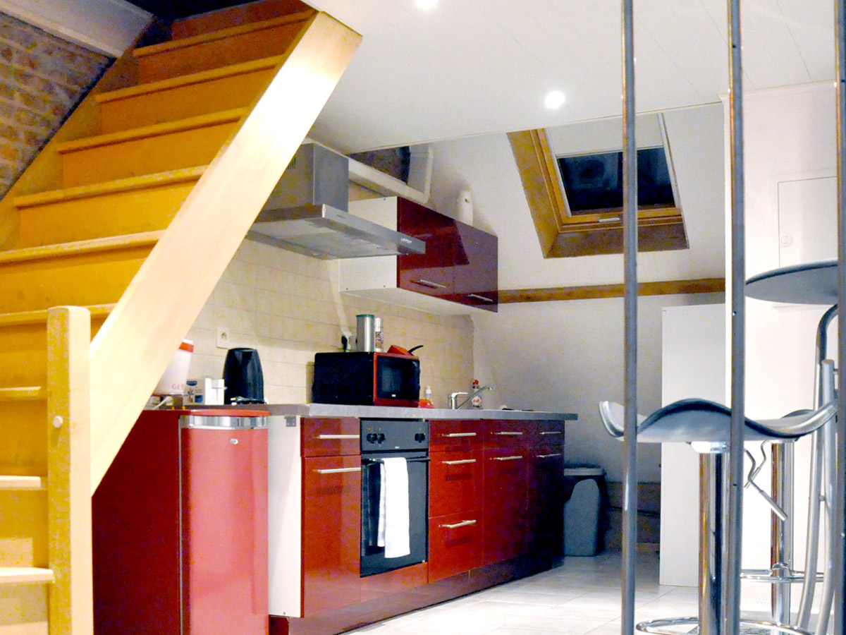 Appartement 2 location appartement spa tournai for Cuisine entierement equipee