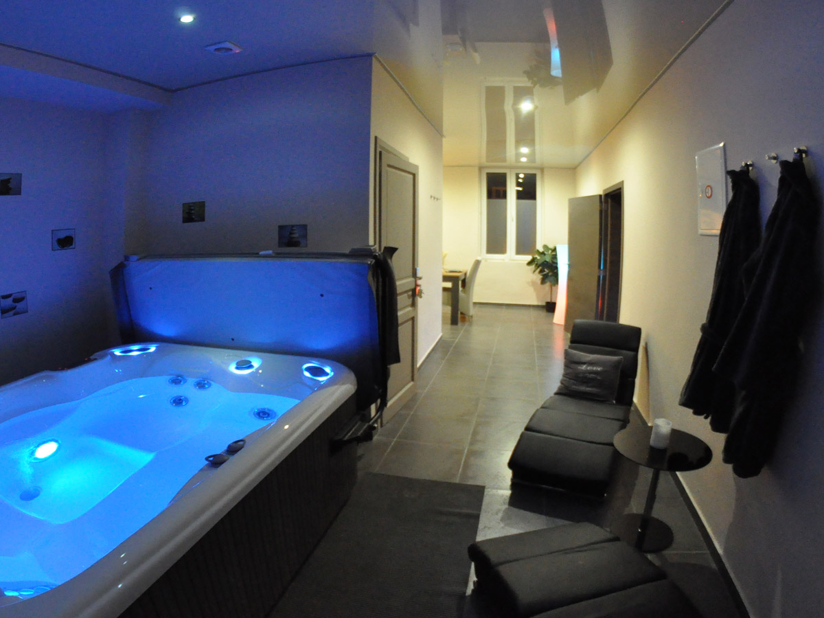 appartement de luxe avec spa location appartement spa tournai. Black Bedroom Furniture Sets. Home Design Ideas